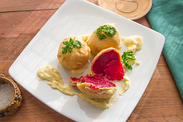 Beetroots in beer batter and horseradish cream