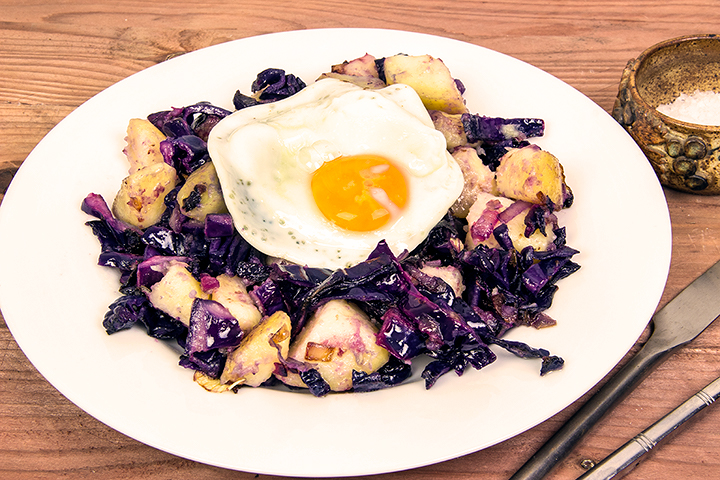 Red cabbage and potato hash